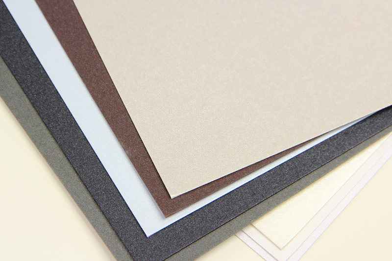 Gmund Colors metallic has a canvas-like feel with a mica infused metallic coating