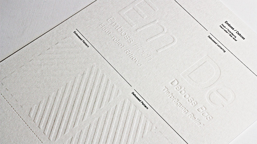 The texture of Gmund Colors Felt shines when embossed.