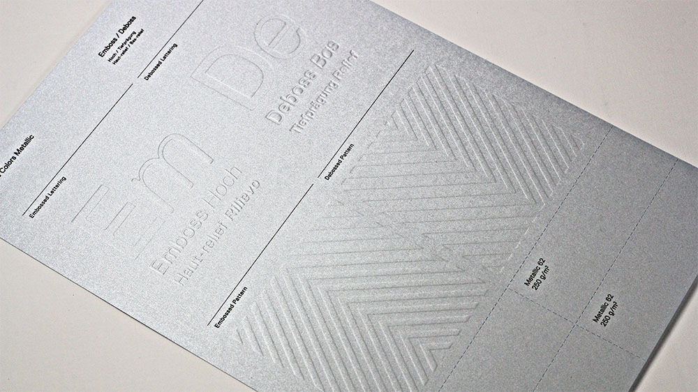 Embossing brings out the texture in Gmund Colors Metallic.